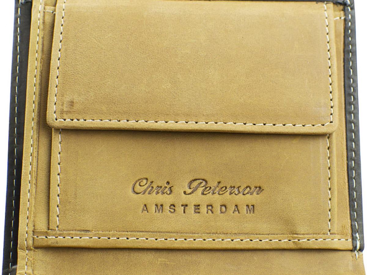 bee6ca2cbca09 ... Brązowy męski skórzany portfel ze skóry naturalnej Peterson grawerowane  ...